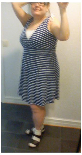 Gina Tricot Minnie dress, tubtop H&M och Rieker sandaler