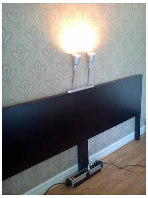 Sänggavel av Lack bord med Kvart lampor