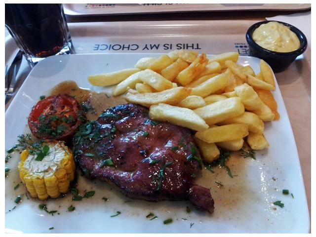 2011-08-29 Måndags middag: Nancy Steakhouse - pork neck chops