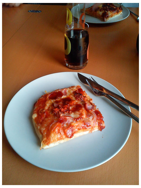 Hemlagad panpizza med Cola Zero