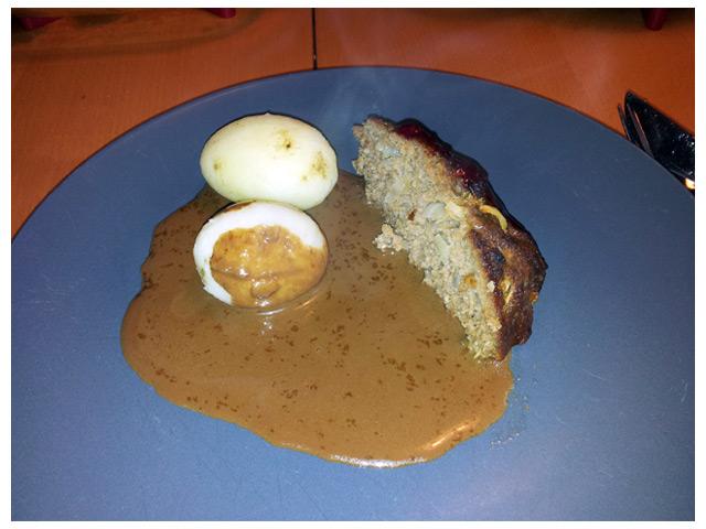 2011-09-02 Dagens middag: köttfärslimpa med kokt potatis och sås