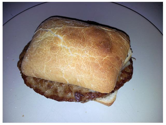 2011-09-03 Dagens middag: hamburgare i ciabatta bröd