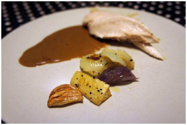 Filé från egen grillad kyckling med lchf brun sås och rotfrukter
