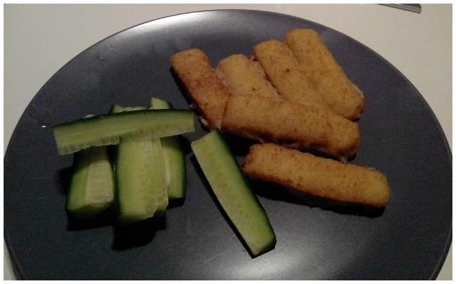 Findus fiskpinnar och gurka