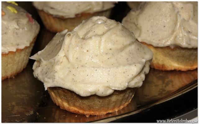 Vanilj cupcakes med vaniljsmörkräm