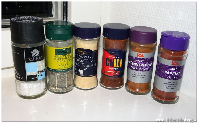 Helens egna tacokrydda; salt, svartpeppar, vitlökspulver, chili peppar, cayenne peppar och paprika