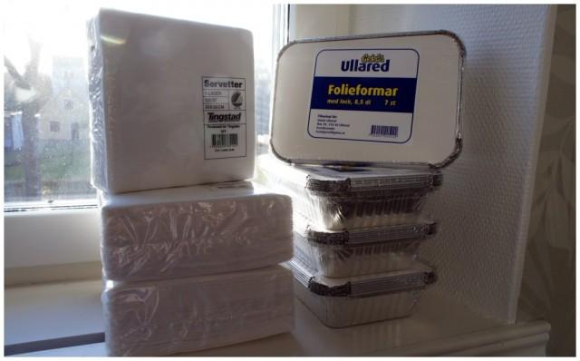 Vita servetter 6 kr / 100-pack och 8,5 dl folieformar 10 kr/ 7-pack