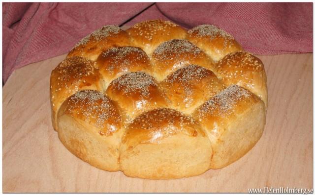 Nybakat bryrbröd, redo för provsmakning