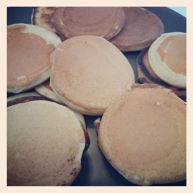 Mina amerikanska pannkakor i plättjärns storlek