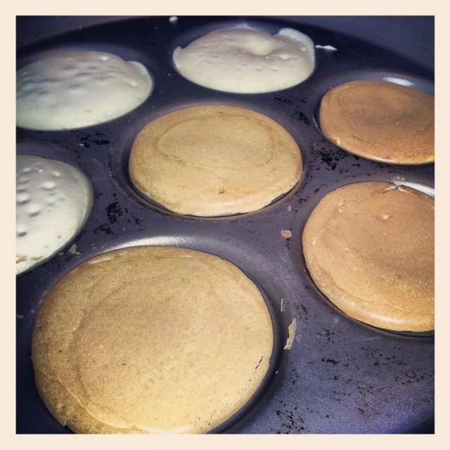 Mina amerikanska pannkakor i plättjärnet