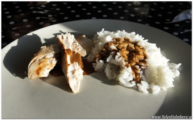Grillad kyckling med ris och brunsås