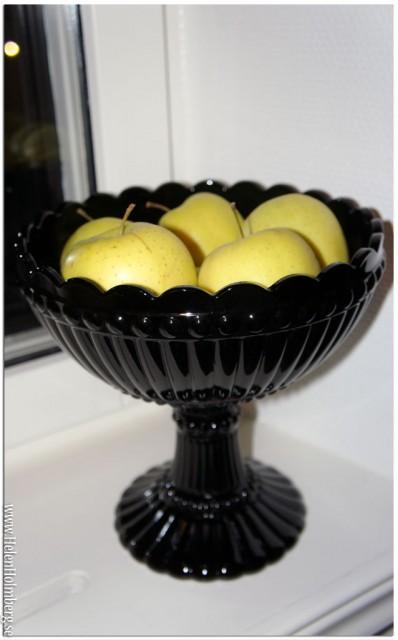 Nickolina skål svart glasskål från Chilli, Väla Köpcentrum