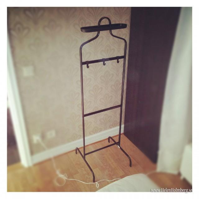 Klädbetjänt Mulig från IKEA har fått flytta in i sovrummet