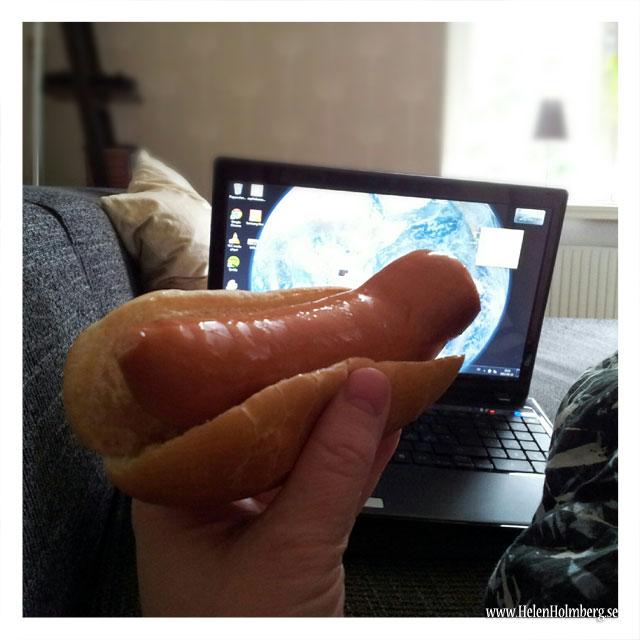 Stekt korv med bröd