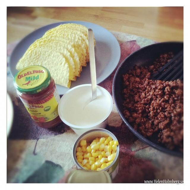 Taco med min egna tacokrydda, majs, tacoskal, salsa och laktosfri creme fraiche