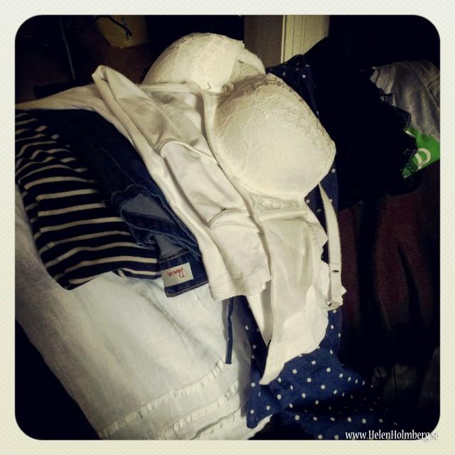 Organiserar outfits att packa