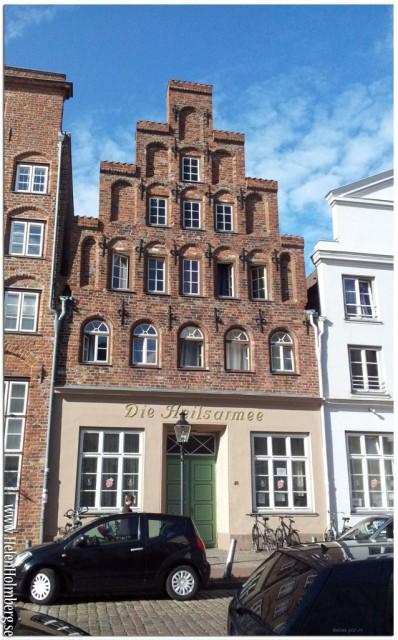 Die heilsarmee (frälsningsarmen) ligger i ett helt sanslöst vackert hus