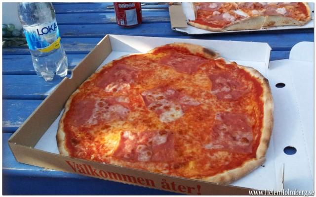 Vesuvio pizza från prego pizzeria i Viken