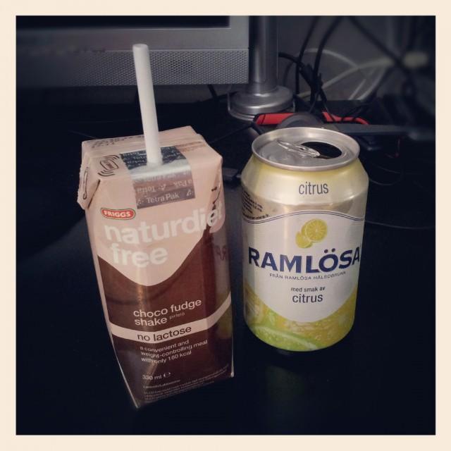 Frukost, Naturdiet Free VLCD shake och Ramlösa citrus