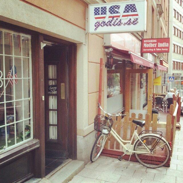 Usagodis.se har en butik på Upplandsgatan, Stockholm med bara godis från usa