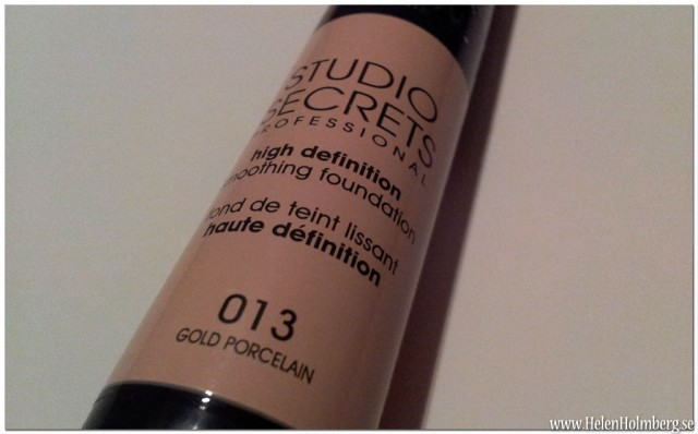Loreal Studio Secrets High Definition Smoothing Foundation med borste nyans 013 Gold Porcelaine