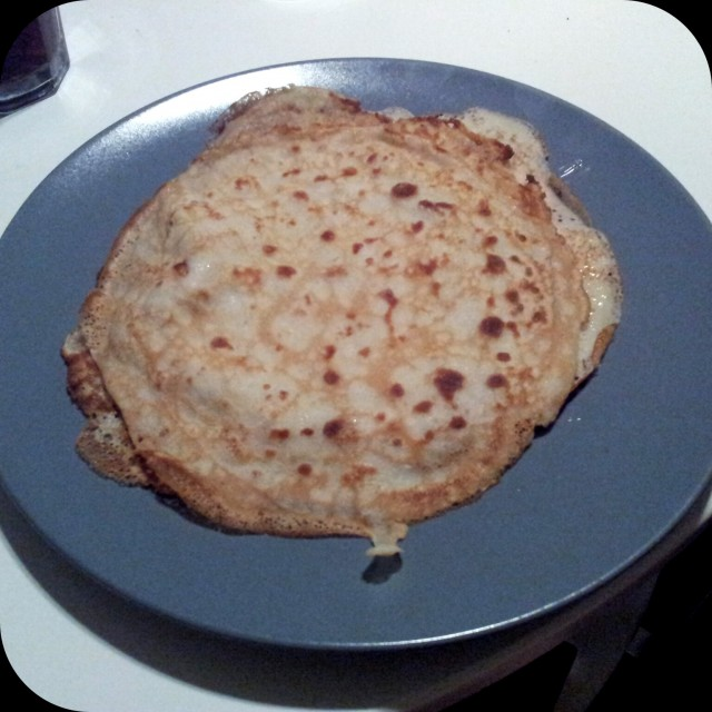 Pannkakor till middag, lagade av snäll sambo