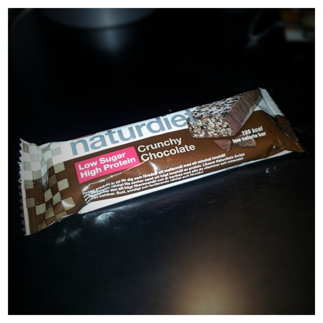 Naturdiet med Low Sugar High Protein Crunchy Chocolate bar